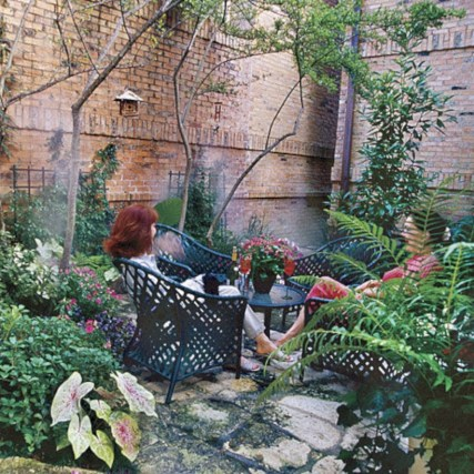 Beautiful courtyard garden design ideas 23