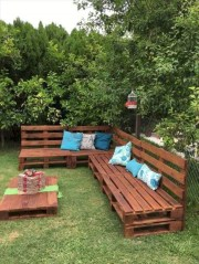 Best diy projects with pallet for your garden 21