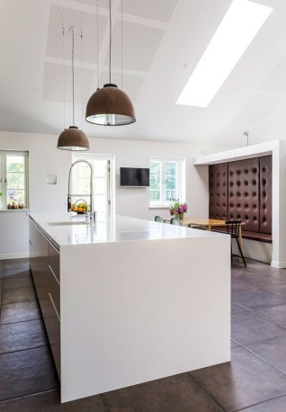 Distinctive kitchen lighting ideas for your kitchen 04