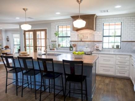 Distinctive kitchen lighting ideas for your kitchen 09