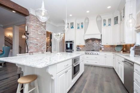 Distinctive kitchen lighting ideas for your kitchen 16