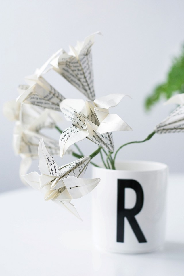 Diy origami lilies