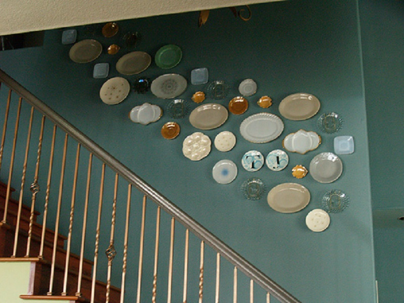 Plate wall in stairway