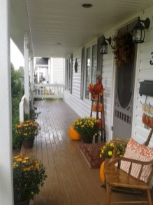 Awesome farmhouse fall decor porches 15