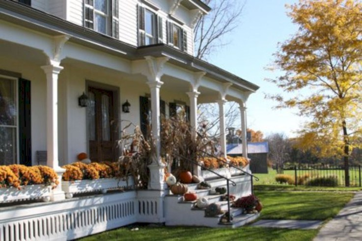 Awesome farmhouse fall decor porches 41