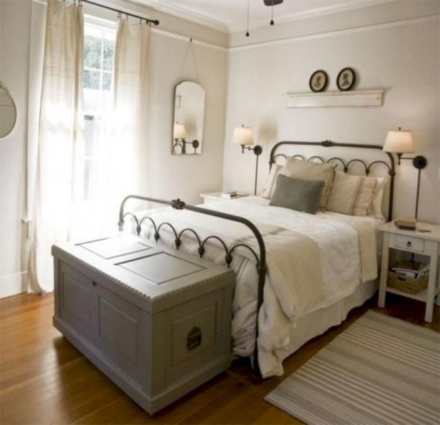 Best modern farmhouse bedroom decor ideas 13
