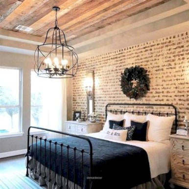 Best modern farmhouse bedroom decor ideas 18