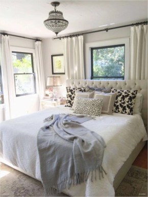 Best modern farmhouse bedroom decor ideas 19