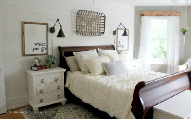 43 Best Modern Farmhouse Bedroom Decor Ideas Godiygo Com