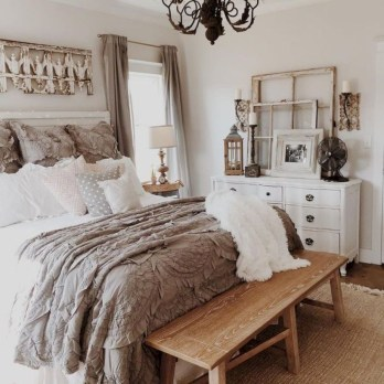 Best modern farmhouse bedroom decor ideas 39