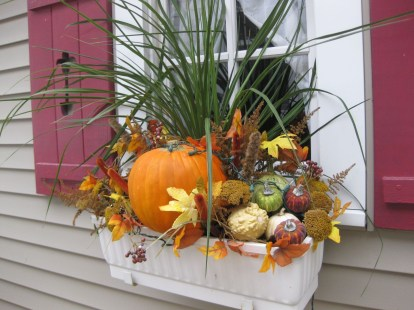 Cheap and easy fall window boxes ideas 03