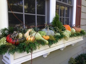 Cheap and easy fall window boxes ideas 43