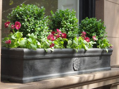 Cheap and easy fall window boxes ideas 48