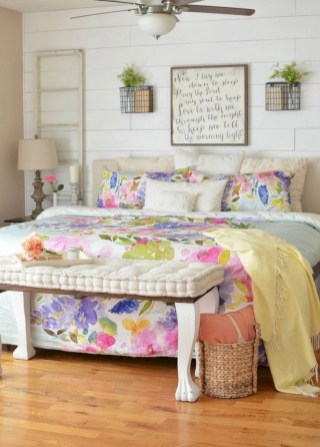 Creative bedroom decoration ideas for a new spring looks 12