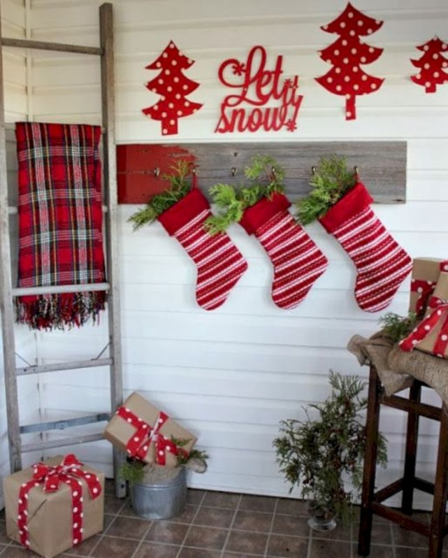 Cute farmhouse christmas decoration ideas 13