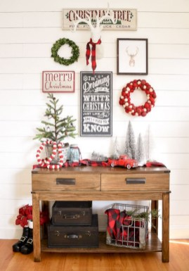 Cute farmhouse christmas decoration ideas 30