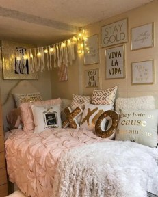 Easy and cute teen room decor ideas for girl 02