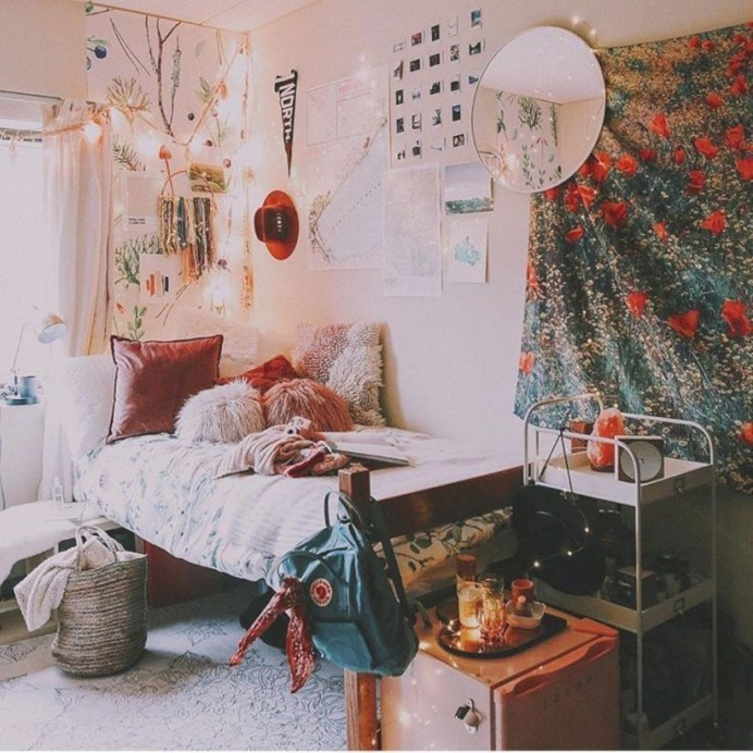 Elegant dorm room decorating ideas 18