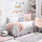 Elegant dorm room decorating ideas 40