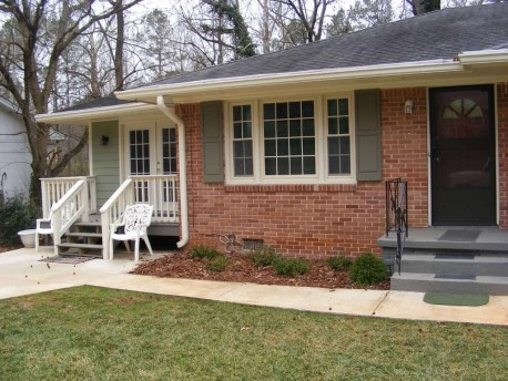Exterior paint colors with red brick 10