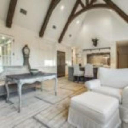 Incredible european farmhouse living room design ideas 08