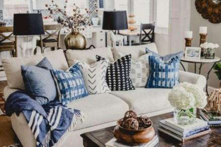 Incredible european farmhouse living room design ideas 18