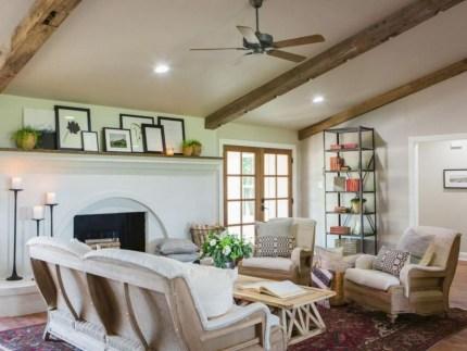 Incredible european farmhouse living room design ideas 51