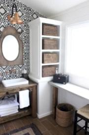 Incredible half bathroom decor ideas 83