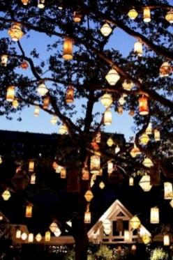 Inspiring backyard lighting ideas for summer 38