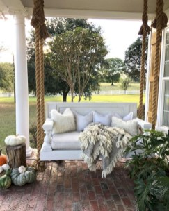 Rustic farmhouse front porch decorating ideas 20