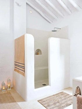 Stunning showers that will wash your body and soul 25