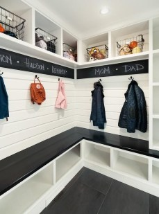 Beautiful and functional laundry room design ideas to try 18