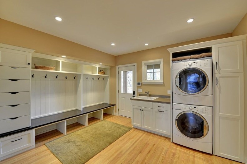 Beautiful and functional laundry room design ideas to try 31