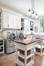 Beautiful and functional laundry room design ideas to try 37