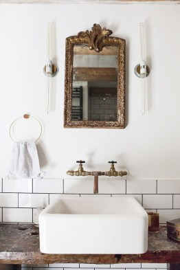 Best bathroom mirror ideas to reflect your style 28