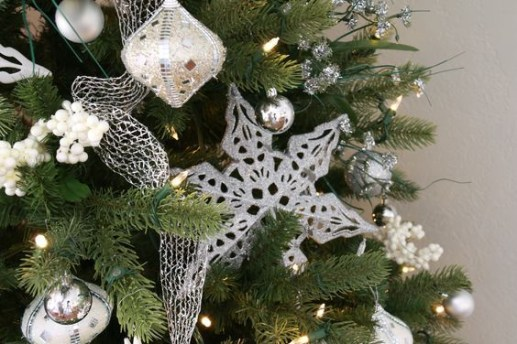 Diy holiday projects using dollar store ornaments 11
