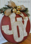 Diy holiday projects using dollar store ornaments 44