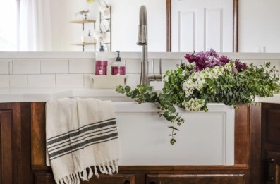 Top farmhouse sink designs for your lovable kitchen 44