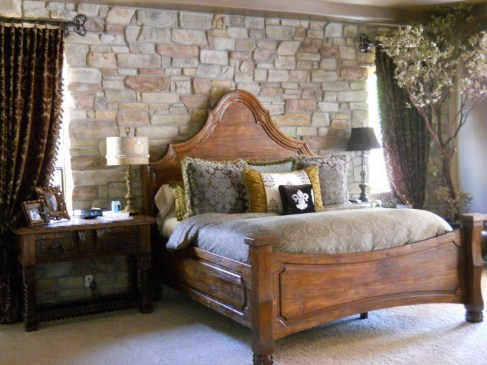 Awesome rustic bedroom furniture ideas to get the farmhouse charm 12