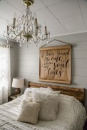 Awesome rustic bedroom furniture ideas to get the farmhouse charm 13