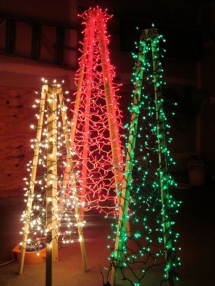 Beautiful diy christmas light decoration ideas 06