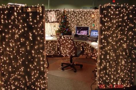 Beautiful diy christmas light decoration ideas 42