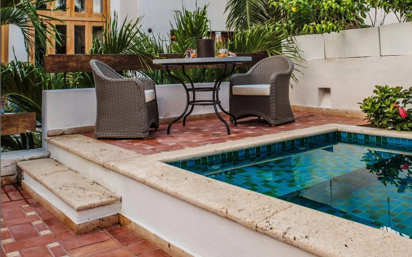 Coolest small pool ideas for your home 04