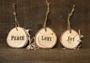 Creative diy rustic christmas decorations with wood 05