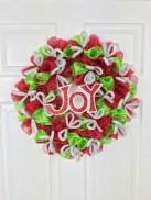 Diy christmas wreath ideas to decorate your holiday season 04
