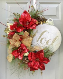 Diy christmas wreath ideas to decorate your holiday season 05