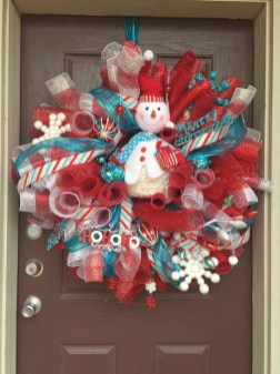 Diy christmas wreath ideas to decorate your holiday season 08
