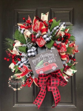Diy christmas wreath ideas to decorate your holiday season 17