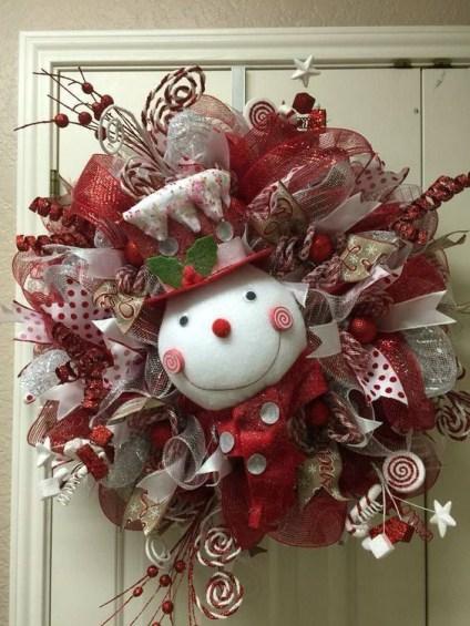 Diy christmas wreath ideas to decorate your holiday season 19