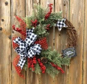 Diy christmas wreath ideas to decorate your holiday season 33